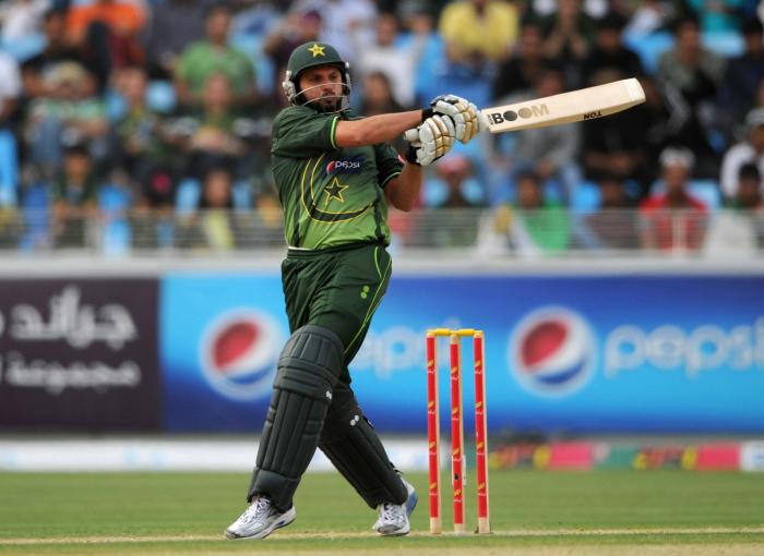 Shahid Afridi made world record with Sachin's bat