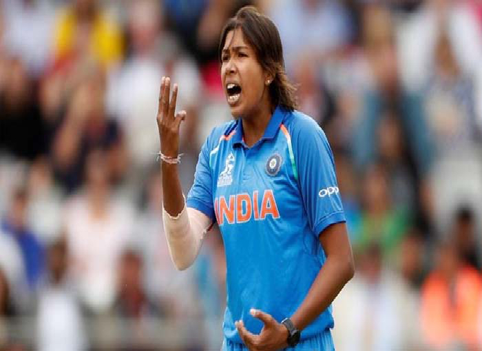 Success: Jhulan Goswami made a world record by putting more than 2000 overs